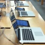 ทำไมจอ Macbook ใน Apple Store ต้องวางเอียง 70 องศาทุกครั้ง ??