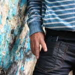พบกับกางเกงยีนส์ตัวแรกที่ผลิตมาเพื่อ iPhone โดยเฉพาะ