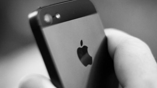 iPhone5-BW