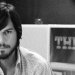 """""""วีดีโอแรก"""" เมื่อ Ashton Kutcher รับบทเป็น Steve Jobs จากภาพยนตร์เรื่อง """"JOBS"""""""