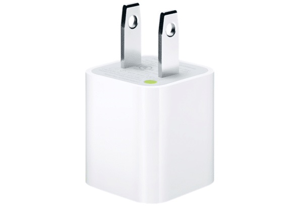 apple-launching-third-party-iphone-usb-charger-replacement-program-following-controversy