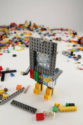 belkin-lego-iphone-case-macthai3