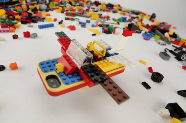 belkin-lego-iphone-case-macthai4