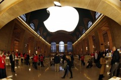 Reuteres_Apple_NYC_Grand_Central_07dec11-878x554