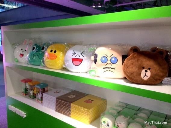 macthai-line-pop-up-store-bangkok-thailand-siam-center-010