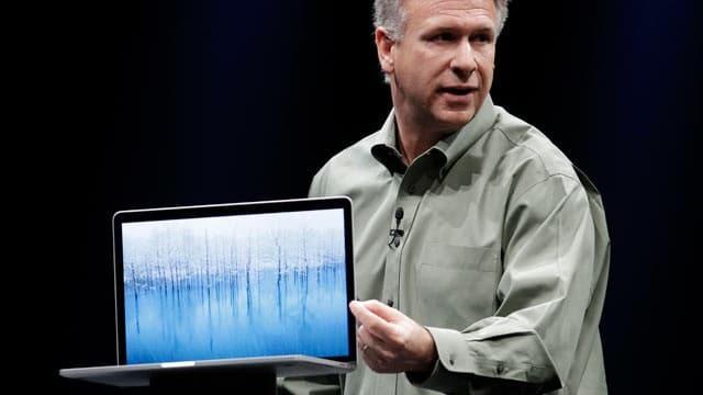 phil-schiller-ap_new_macbook_pro_apple_thg_120611_wg