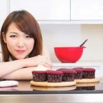 "MacThai Model : ""น้องอร"" กับขนมเค้กแสนหวาน"