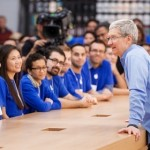 อยากทานข้าวกับ Tim Cook ที่สำนักงานใหญ่ Apple? ประมูลสิ!