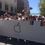 Tim Cook นำพนักงานแอปเปิล 5,000 คนเดินขบวนรณรงค์เลิกกีดกันทางเพศในการทำงาน