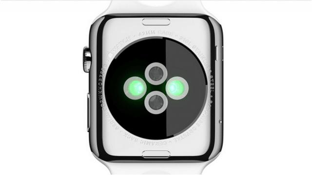 เซ็นเซอร์วัดชีพจรที่อยู่ด้านหลัง Apple Watch
