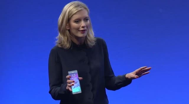 rachel-riley-samsung-presenter-is-iphone-user-3