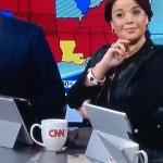 ซะงั้น! ผู้สื่อข่าว CNN เอาแท็บเล็ต Surface มาใช้เป็นแท่นวาง iPad กลางรายการ