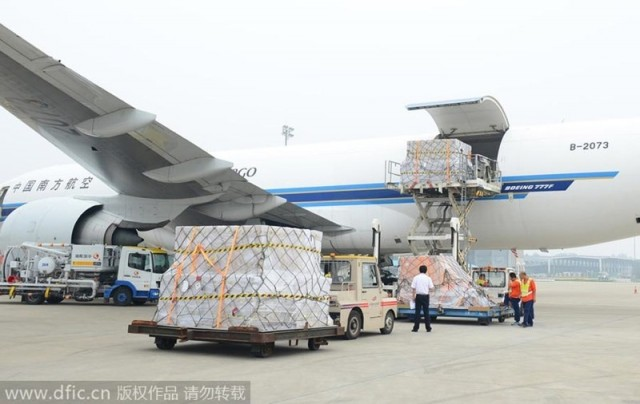 iphone-6-and-6-plus-cargo-from-china-to-usa-hit-195000-unit-4