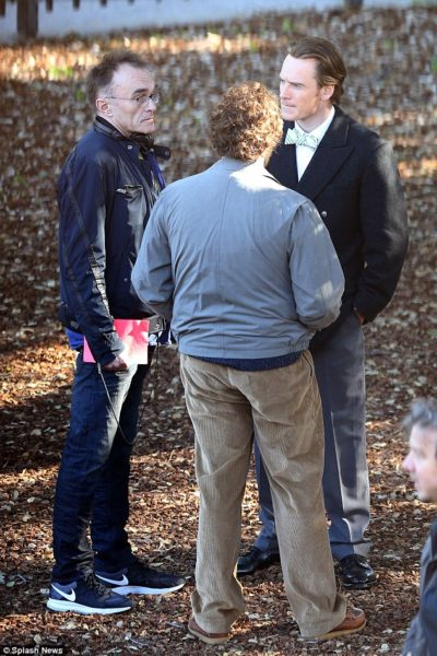 first-picture-of-michael-fassbender-as-steve-jobs-on-new-movie-2