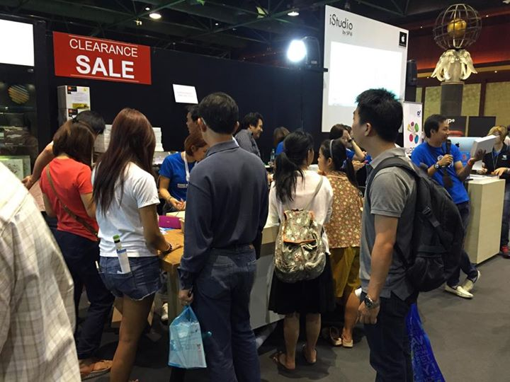 commart-thailand-2015-istudio-by-spvi-macbook-ipad-sell-005
