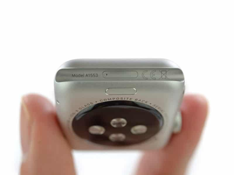 inside-apple-watch-with-mystery-port-and-205-battery-mah-7