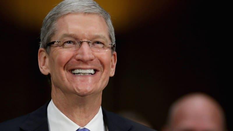 Apple-s-Tim-Cook-Biased-as-He-Pokes-Fun-at-Microsoft-s-Windows-8-444928-2