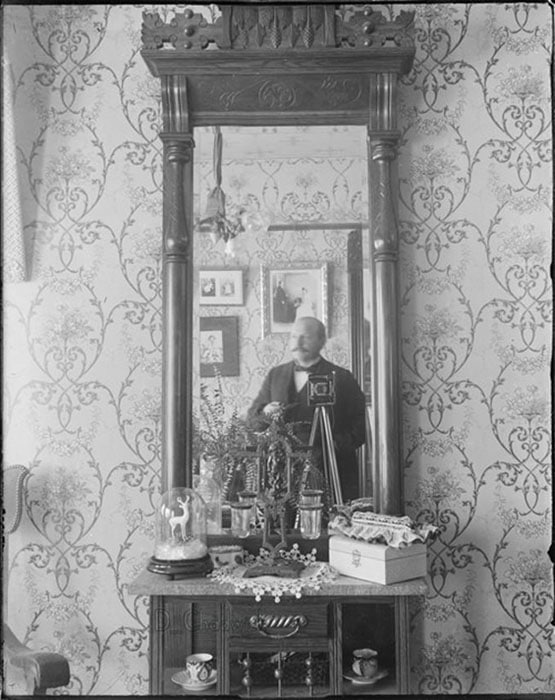 selfie-photo-from-1800-1900-self-portrait-001