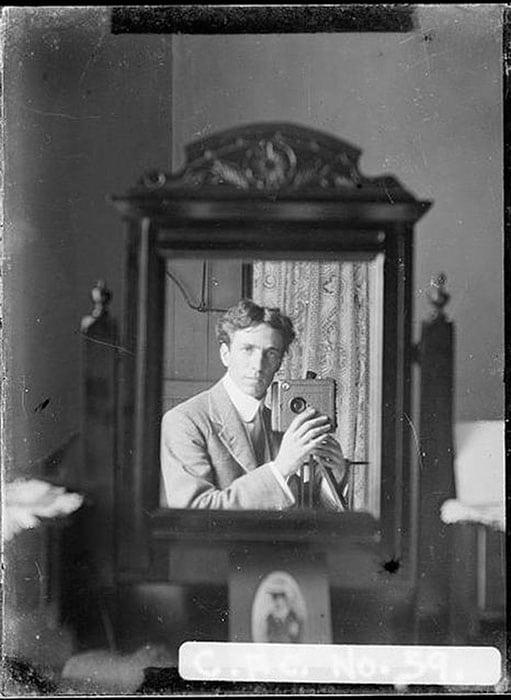 selfie-photo-from-1800-1900-self-portrait.00_jpg_srb-21