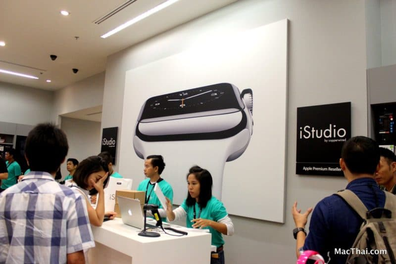 macthai-apple-watch-launch-in-thailand-istudio-queue-015