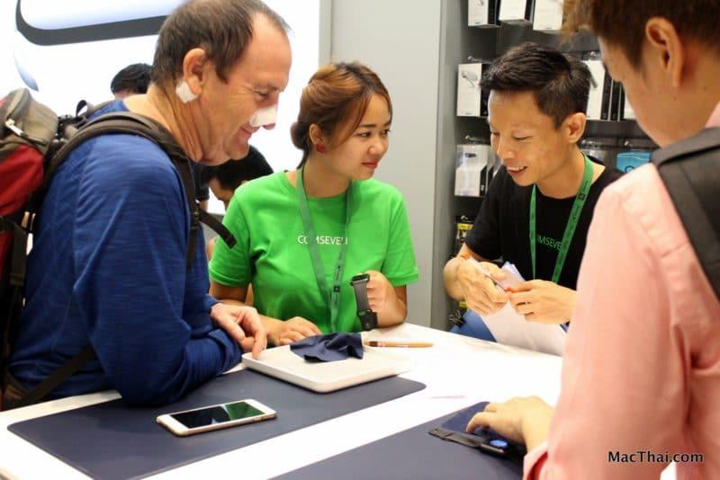 macthai-apple-watch-launch-in-thailand-istudio-queue-054