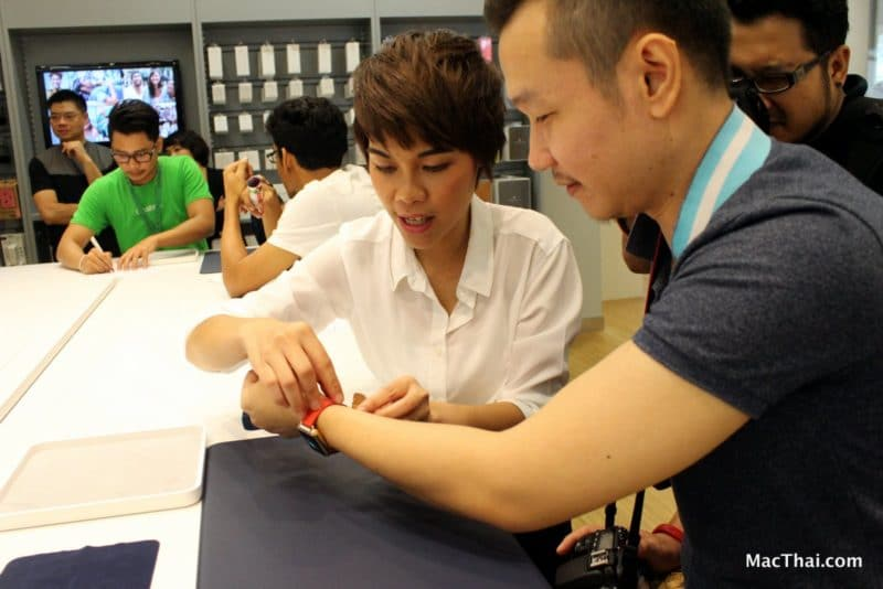 macthai-apple-watch-launch-in-thailand-istudio-queue-064