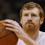 เกี่ยวไหม !? นักบาส NBA โวยเพราะ iPhone 6 Plus จอใหญ่เกินไป เล่นแล้วปวดแขนจนฟอร์มตก