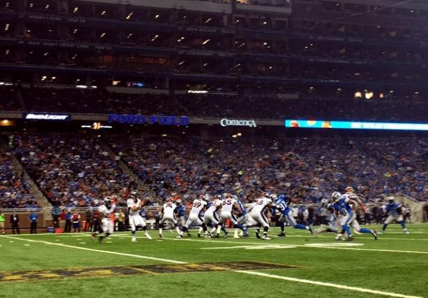 iPhone-6-Plus-Photo-Samples-NFL-Lions-vs-Broncos-24