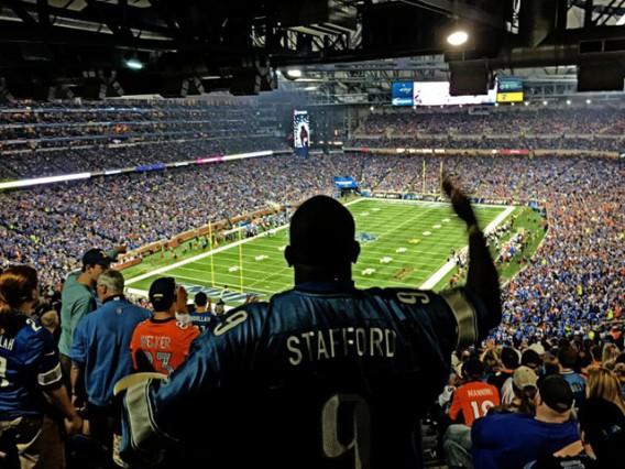 iPhone-6-Plus-Photo-Samples-NFL-Lions-vs-Broncos-261