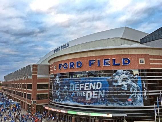 iPhone-6-Plus-Photo-Samples-NFL-Lions-vs-Broncos-32