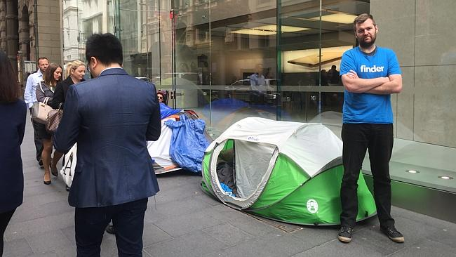 iphone-6s-launch-queue-world-0