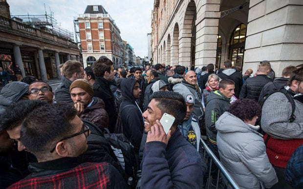 iphone-6s-launch-queue-world-6