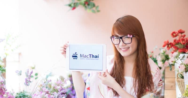 "MacThai Model ""น้องพิซซ่า"" สาวแว่นน่ารัก จากค่าย Young Webmaster Camp"