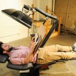 นักประดิษฐ์หัวใส ทำโต๊ะที่สามารถนอนทำงานได้ ราคา 2 แสนกว่าบาทเท่านั้น