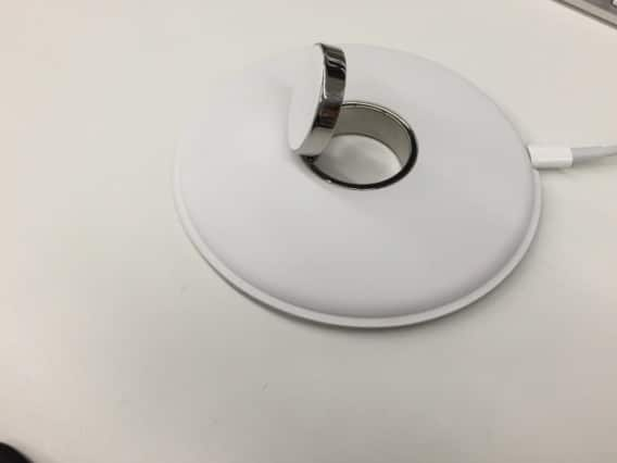 leaked-photos-reveal-new-apple-watch-charging-dock-gallery-3
