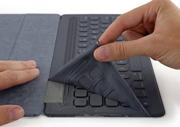 smart-keyboard-teardown-2-800x566