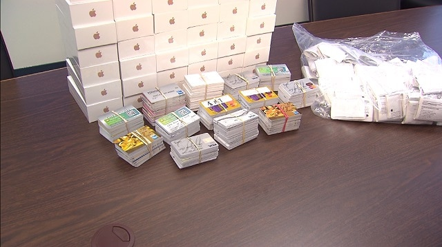 us-police-bust-crime-ring-attempting-to-ship-750k-worth-of-iphones-to-hong-kong-2