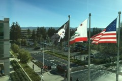 apple-cupertino-hq-pirate-flag