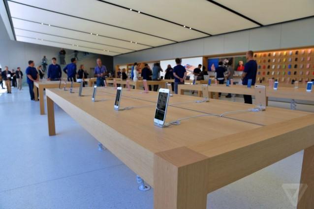 apple-store-flagship-sf-nick_statt-5.0