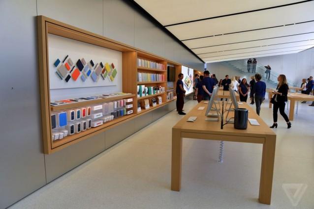 apple-store-flagship-sf-nick_statt-9.0
