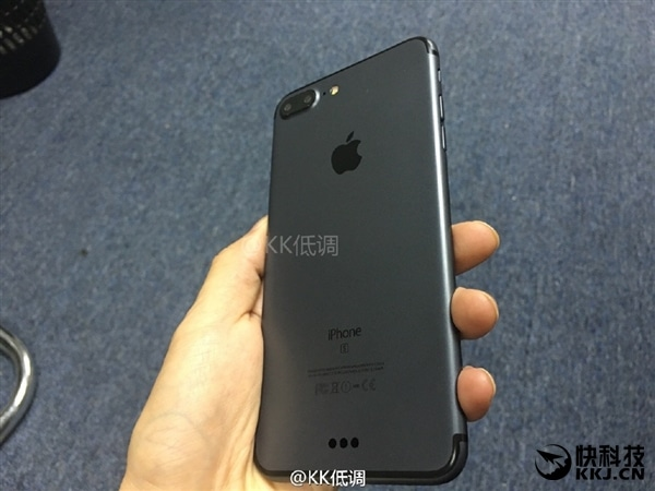 leaked iphone 7 plus space black-4