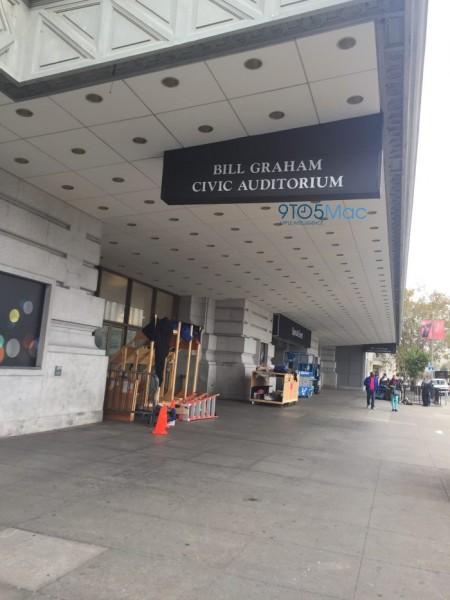 apple-keynote-decorations-bill-graham-civic-center-iphone-7-event-5