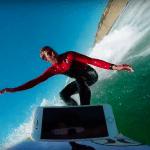 [ชมคลิป] พา iPhone 7 ไปโต้คลื่นกลางทะเล ทดสอบกันน้ำได้ดีจริงหรือเปล่า ?