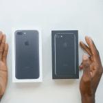 ชมคลิป !! แกะกล่อง iPhone 7 สี Black และ Jet Black พบเลิกแถมกล่องใส่ EarPods แล้ว