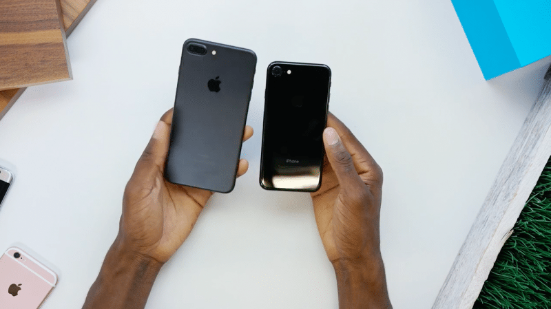 unbox-iphone-7-plus-jet-black9
