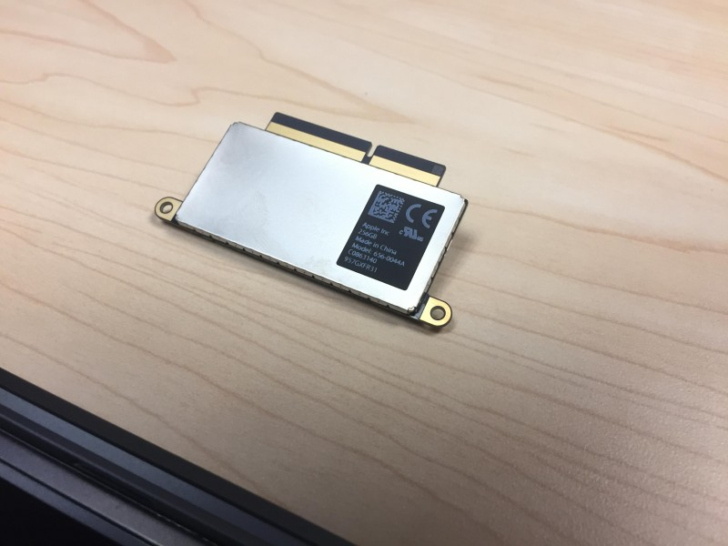 new-macbook-pro-removable-ssd-3