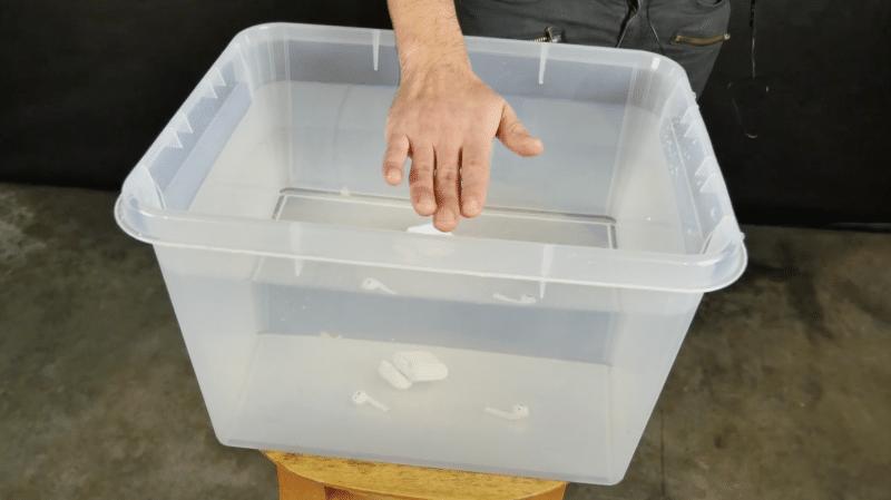 airpods-drop-test-washing-machine-water-proof-4