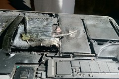 2015-macbook-pro-retina-exploded 2