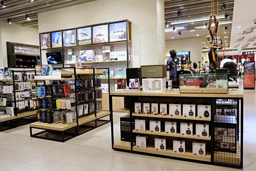 mens-gadgets-central-department-store-15