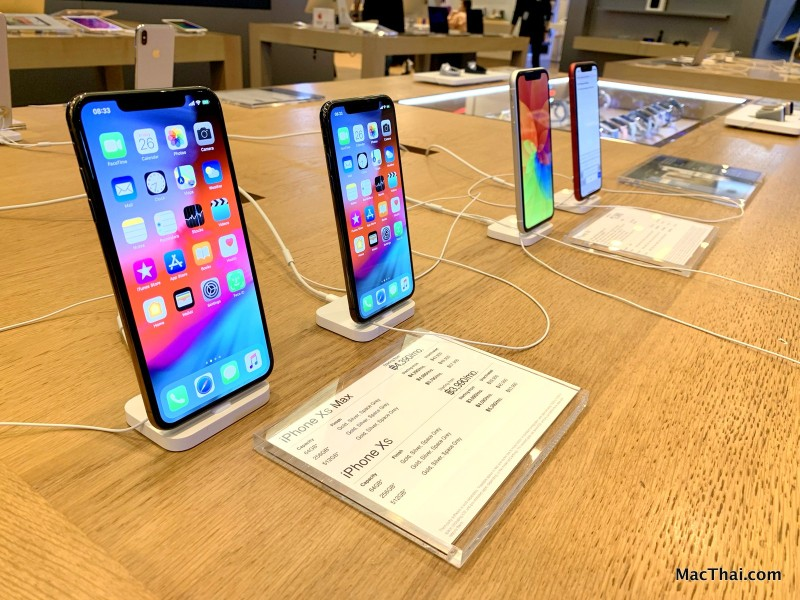 macthai-powermall-iphone-xs-max-xr-launch-009